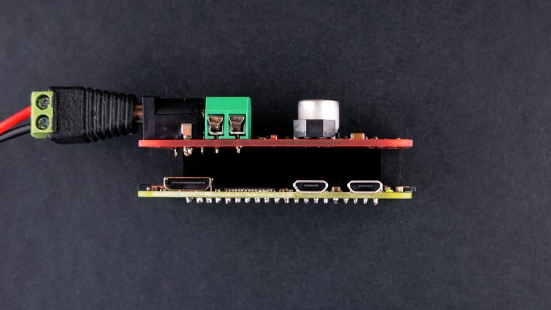 Omzlo: Adding a DC power jack to the Raspberry-Pi